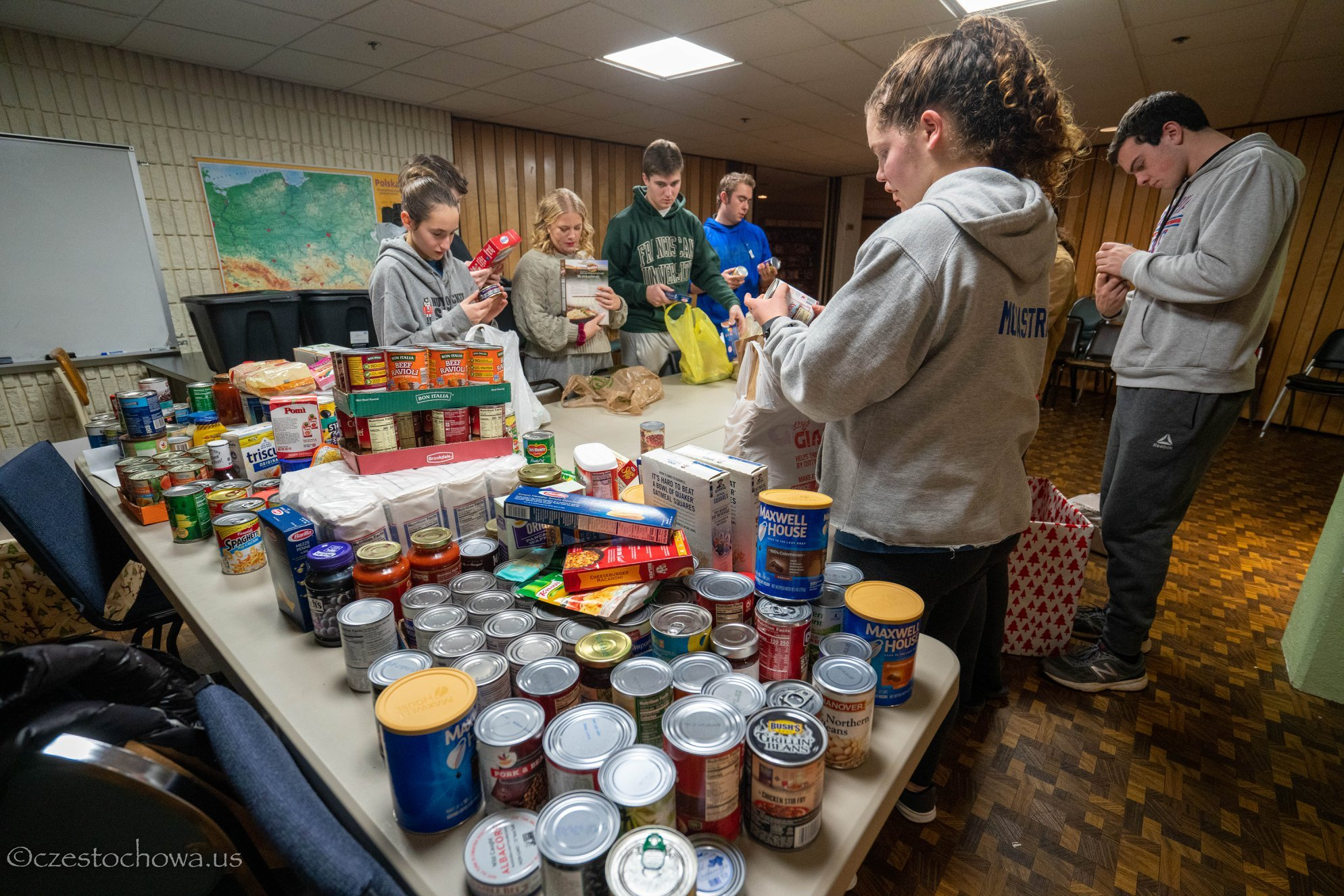 OLCZ Youth Group Christmas Food Drive